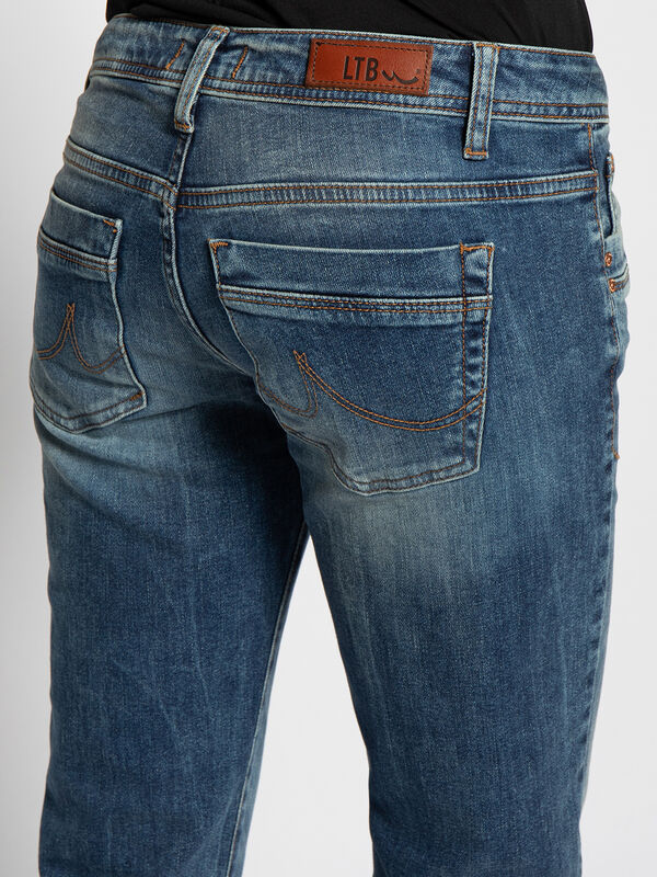 Valerie Clelia Jeans