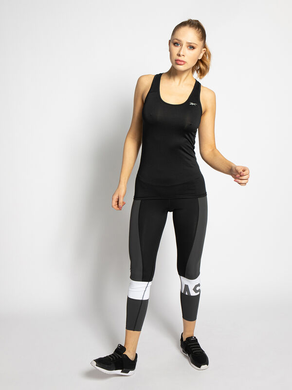 Double pack of high-performance tops